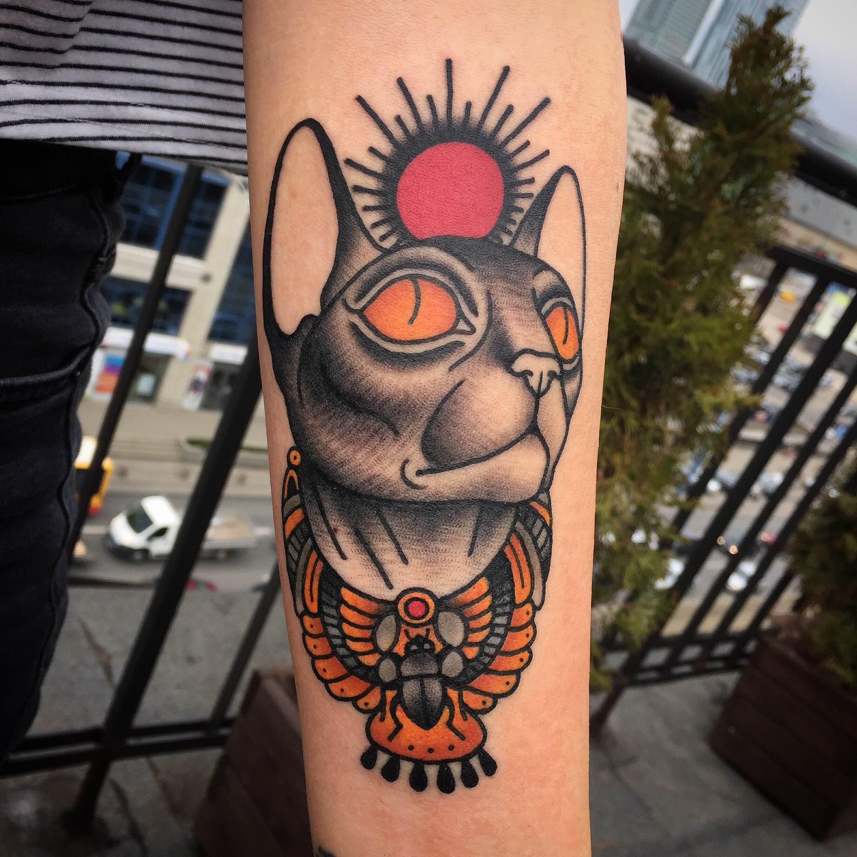 Caffeine Tattoo Kot Egipski Sfinks Tradycyjny Tatuaz Wykonany